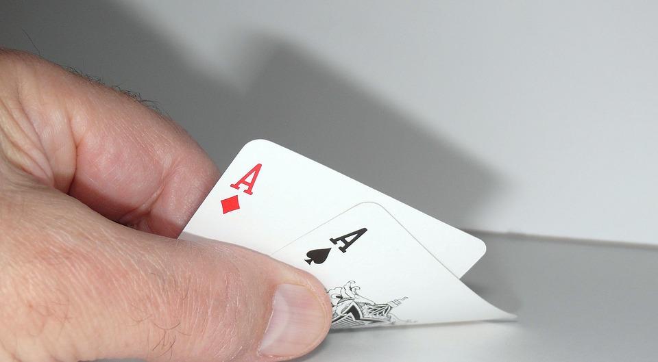 Eine der Eigenschaften erfolgreicher Spieler ist sich sehr gut mit den Regeln des Spieles auszukennen. (Quelle: pixabay.com)