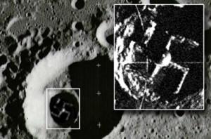 Iron Sky: Die geheime Nazi-Station auf der dunklen Seite des Mondes in Hakenkreuzform. Manche Verschwörungstheoretiker hielten es für echt.